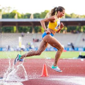 Laura Dalla Montà in pista di atletica